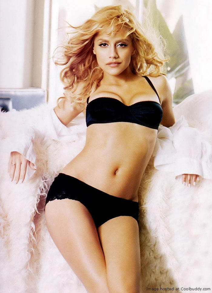 Hollywood Actress Brittany Murphy Hot Pics In Bikini
